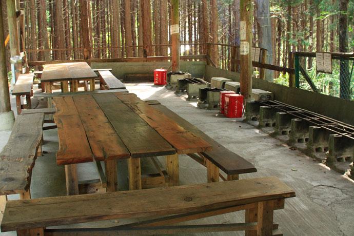 森のバーベキュー場・洗い場