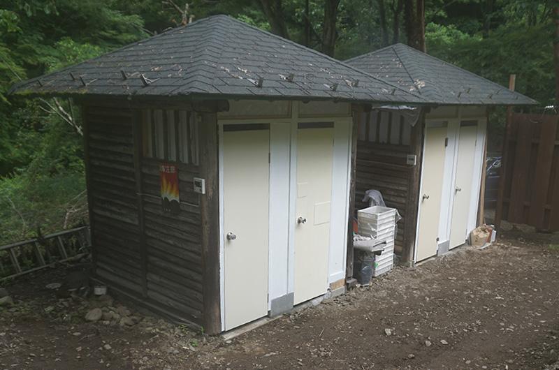 無料の温水シャワー